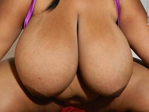 Neesha   Biggest Juicy Ebony Tits 001 003 Pics