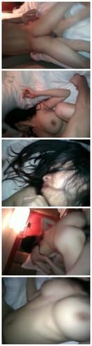 騷逼美女被射肚皮上後吃液(AVI@RG@456MB)